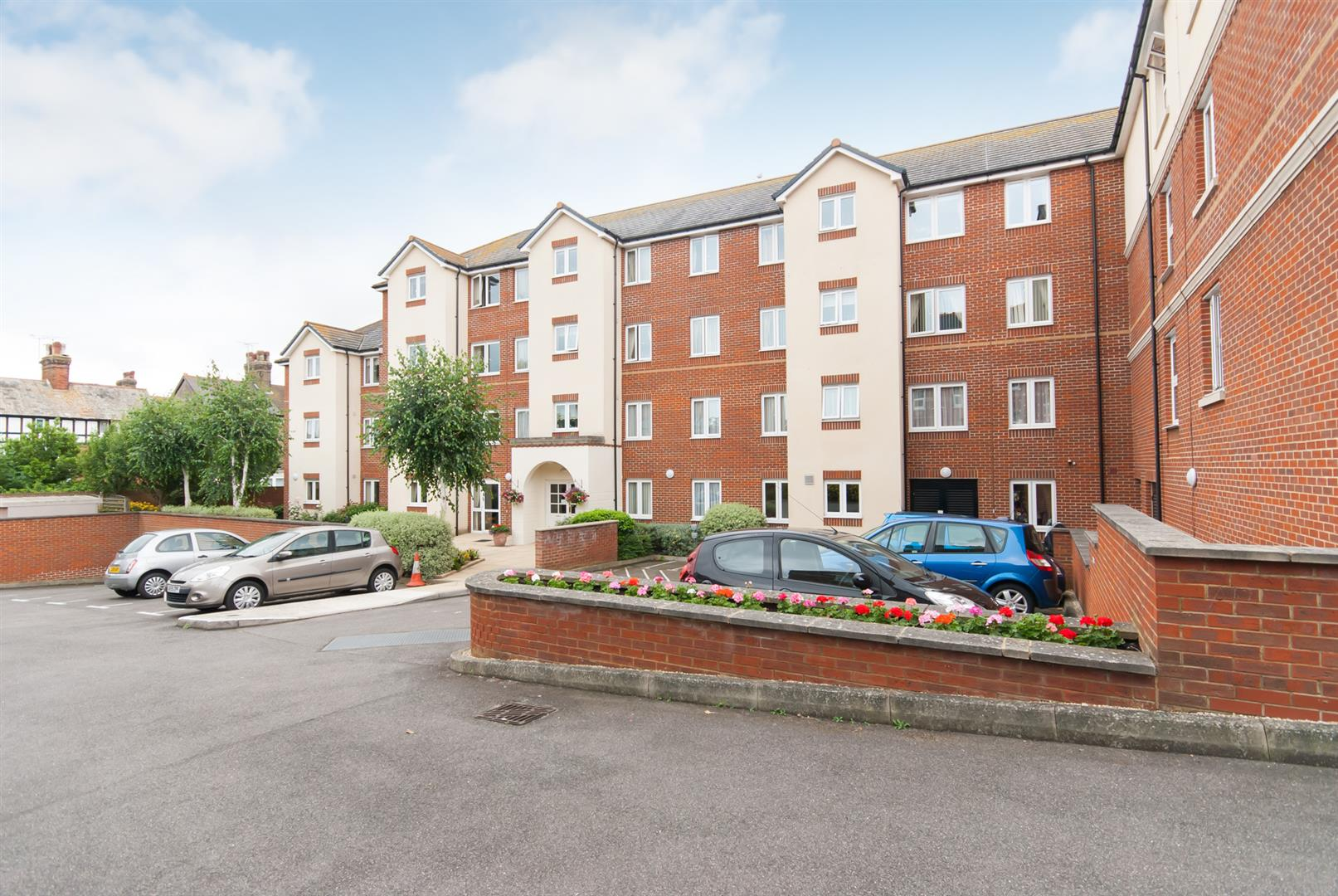 1 Bedroom Property for sale in The Grove, WESTGATE-ON-SEA